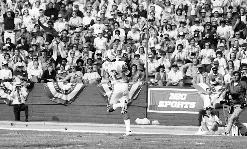 Paul Warfield making a catch in the Dolphins' perfect 1973 season.